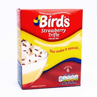 Birds Strawberry Trifle Flavour Mix 141g
